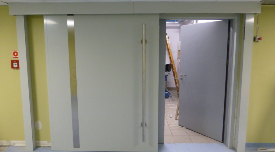 Heavy shielding sliding doors to radioactive waste warehouse for University Clinical Hospital, Bialystok, Poland